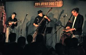 Picking up a storm with Andy Leftwich and Rob Ickes at the always fun Station Inn.
