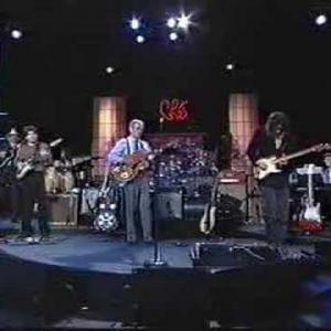 """Embedded thumbnail for Chet Atkins and Eric Johnson - """"Somebody Loves Me Now"""""""