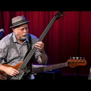 """Embedded thumbnail for Dave Pomeroy - """"Pendulum"""" Live @ The Country Music Hall of Fame"""